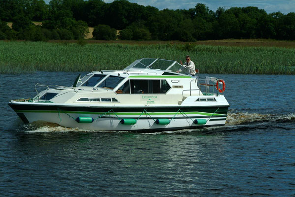 Cruisers for hire on the Shannon River - Lake Star