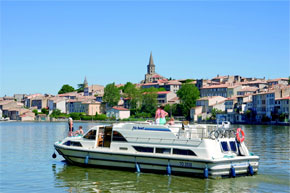 Cruisers for hire on the Saône River in Burgundy France - Grand Classique
