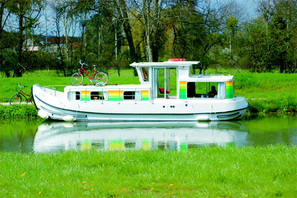 Boat Hire on the Shannon River - P935W Classic