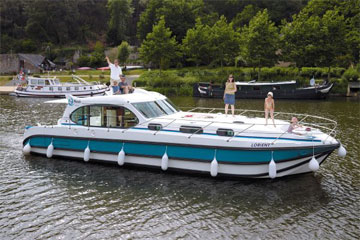 Cruisers for hire on the Saône River in Burgundy France - Octo