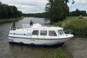 Cruisers for hire on the Saône River in Burgundy France - Sheba