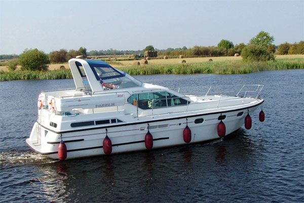Cruisers for hire on the Shannon River - Silver Legend