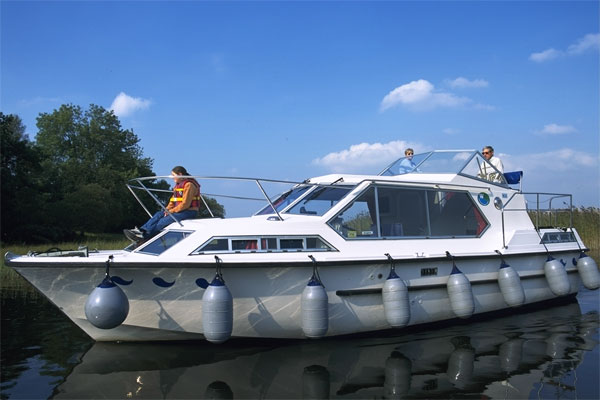 Boat Hire on the Shannon River - Wave Earl