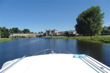 Shannon Boat Hire Gallery - Cruising into Enniskillen on a Kilkenny Class