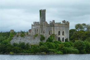 Shannon Boat Hire Gallery - Cruising past islands on Lough Key