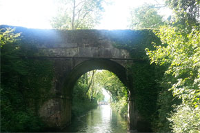 Shannon Boat Hire Gallery - A beautiful bridge