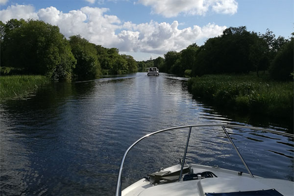 Shannon Boat Hire Gallery - Cruising on a Carlow Class