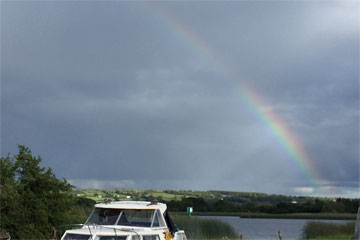 Shannon Boat Hire Gallery - Watch out for leprecauns...