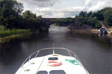 Shannon Boat Hire Gallery - I hope we fit...