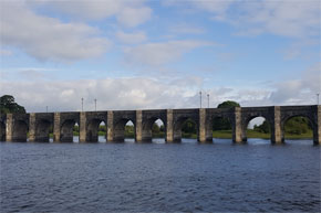 Shannon Boat Hire Gallery - A great photo of Shannonbridge