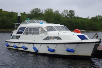 Shannon Boat Hire Gallery - Moored on a Kilkenny Class