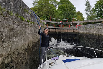 Shannon Boat Hire Gallery - A lock on the Lough Allen Canal