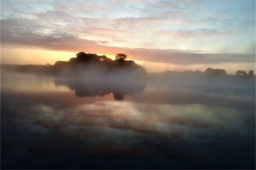 Shannon Boat Hire Gallery - Cruising misty waters.