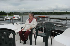 Shannon Boat Hire Gallery - Just kicking back and enjoying the river Shannon