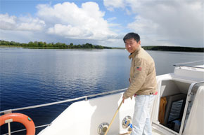 Shannon Boat Hire Gallery - Crusing across a lake