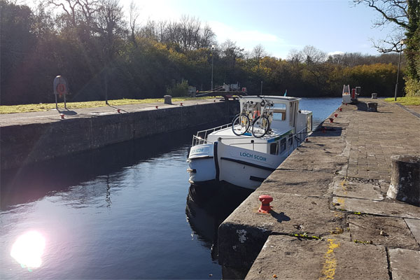 Shannon Boat Hire Gallery - Moored on a P935W