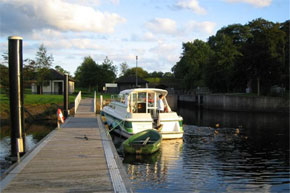 Shannon Boat Hire Gallery - Feeding the ducks from the rear deck of a Town Star while waiting for a lock on the Shannon/Erne Waterway.