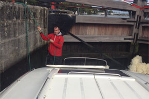 Shannon Boat Hire Gallery - Caught in a lock