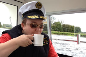 Shannon Boat Hire Gallery - A cuppa for the captain.