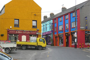 "Shannon Boat Hire Gallery - ""These colourful buildings are situated in Atlone, a town/city we stayed in for two days because we couldn't get enough."""