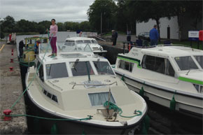 Shannon Boat Hire Gallery - Taking a Lake Star through a Lock