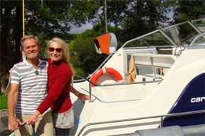 Shannon Boat Hire Gallery - Enjoying some romance on the river
