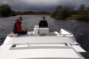 Shannon Boat Hire Gallery - Cruising on a Crusader