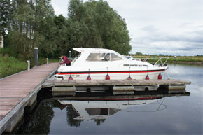 Shannon Boat Hire Gallery - Moored in a Silver Stream