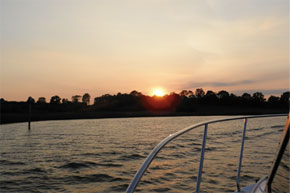 Shannon Boat Hire Gallery - Excellent photo of a sunset on the Shannon River