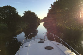 Shannon Boat Hire Gallery - Lazy days cruising a canal