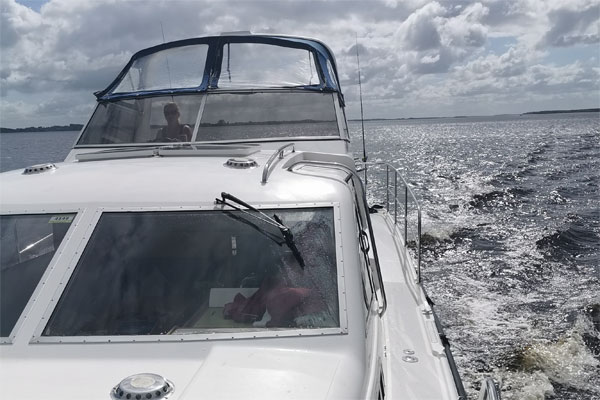 Shannon Boat Hire Gallery - Cruising on a Shannon Star
