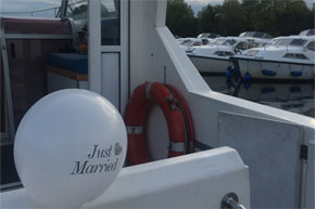 Shannon Boat Hire Gallery - Just married, how sweet!