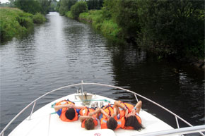 Shannon Boat Hire Gallery - These kids really know how to relax