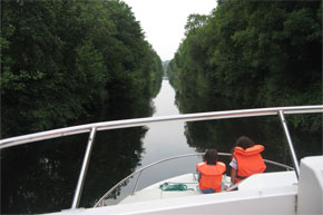 Shannon Boat Hire Gallery - Cruising on the Shannon-Erne Waterway