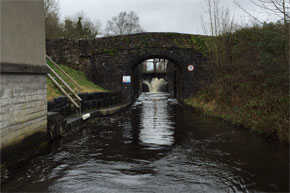 Shannon Boat Hire Gallery - Bridge on the Lock Allen Canal