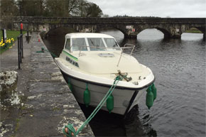 Shannon Boat Hire Gallery - Moored in a Town Star