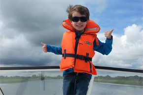 Shannon Boat Hire Gallery - A definite thumbs-up!