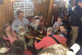 Shannon Boat Hire Gallery - Family Trad Session on Lough Derg