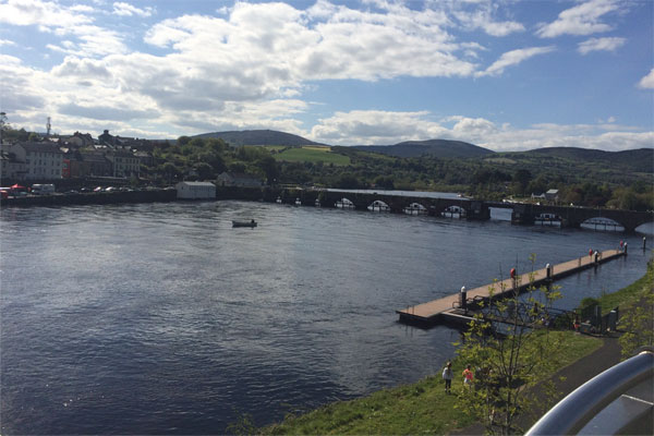 Shannon Boat Hire Gallery - A great view of Shannonbridge