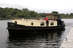 Shannon Boat Hire Gallery - Getting underway from Crom Castle on a Dutch Class barge