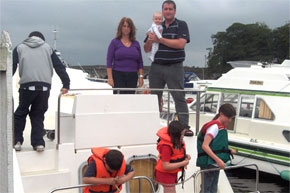 Shannon Boat Hire Gallery - The O39Rourke Family Ready to cruise.