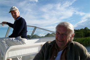 Shannon Boat Hire Gallery - What's not to smile about?