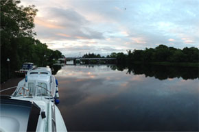 Shannon Boat Hire Gallery - Panoramic view of Tarmonbarry lock