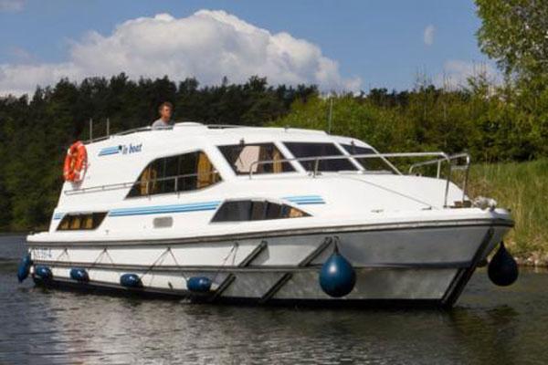 The Clipper Hire Boat