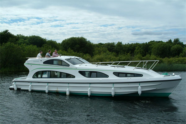 The Elegance hire Cruiser
