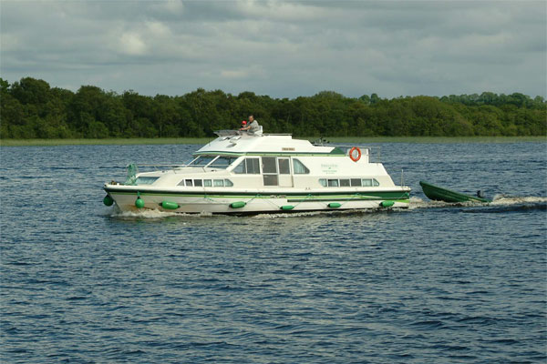 Shannon River Boats for Hire in Ireland - Shannon Star