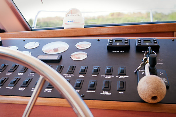 Helm Controls on the Inver Empress Hire Boat.