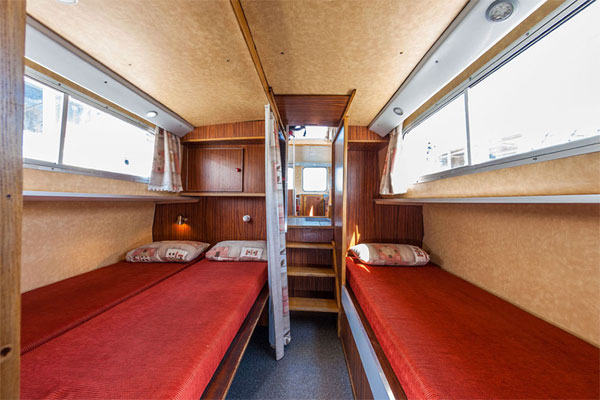 Single and Double cabins on the P1107 Penichette for hire.