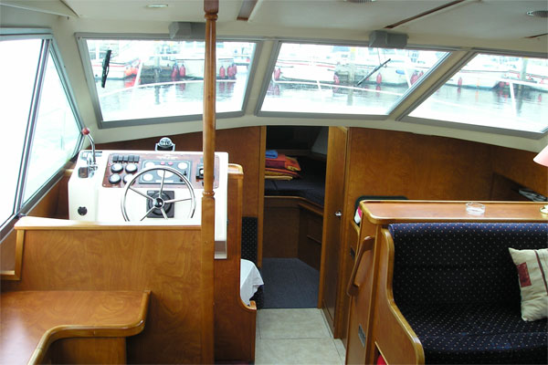 Helm and saloon on the Silver Legend Cruiser
