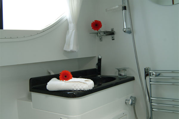 One of the bathrooms on the Longford Class Hire boat.